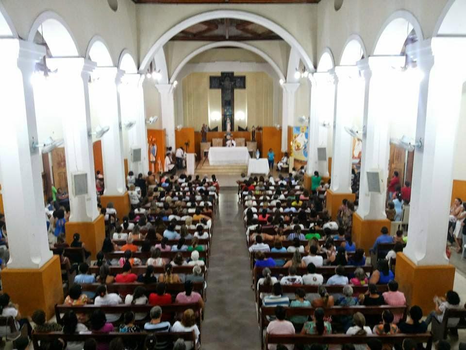 Padre Cézar Teixeira inovou as celebrações religiosas na paróquia local (Foto: Reprodução)