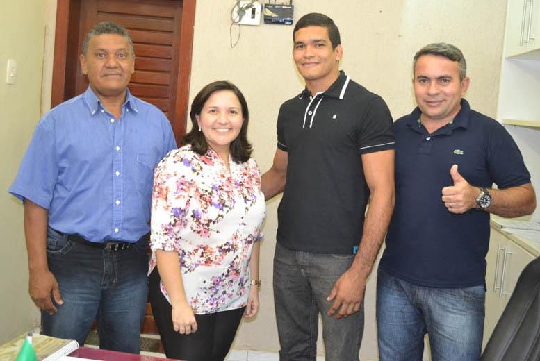 "Professor Dario, prefeita Lidiane, coordenador Talison Soares e ""Tonho da Cohab"""