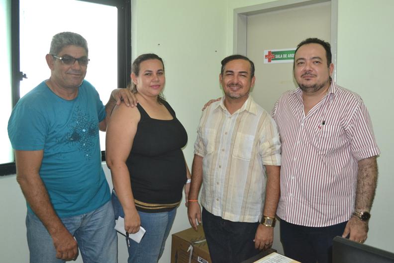 Novos dirigentes do hospital Luís Gomes e Luíza Castro, com Oliveira Júnior e o Dr. Jean Falcão