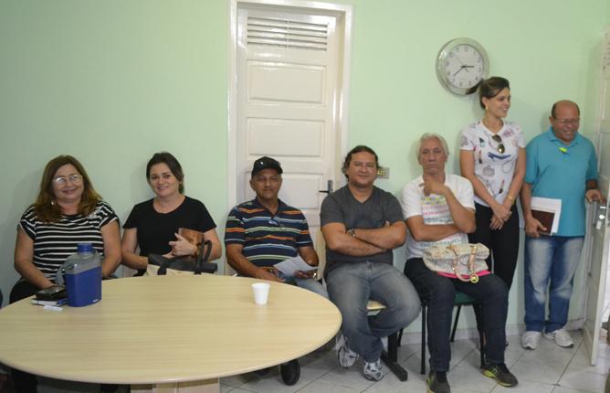 Depois da posse, primeira reunião com o pessoal da Secretaria de Saúde