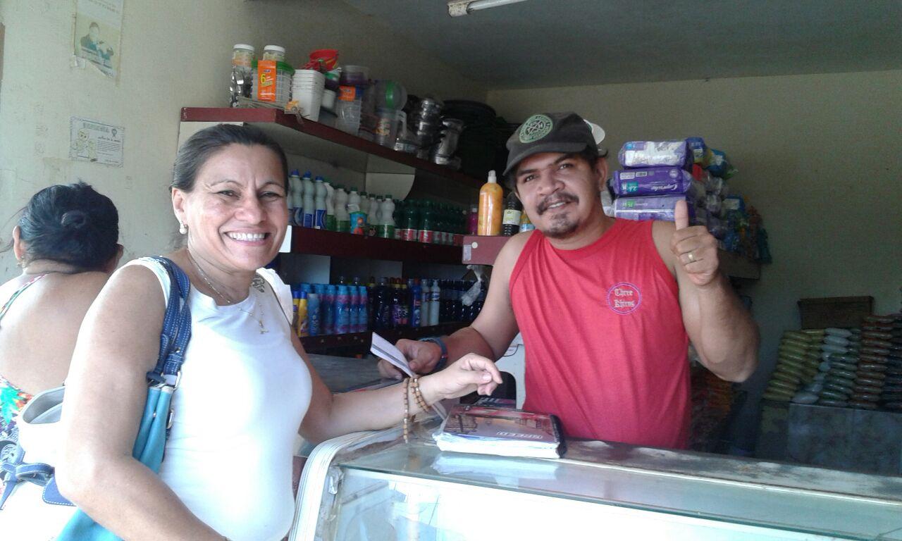 Microempreendedores locais receberam a visita da Agente de Desenvolvimento Edivanda Pereira, divulgando a semana