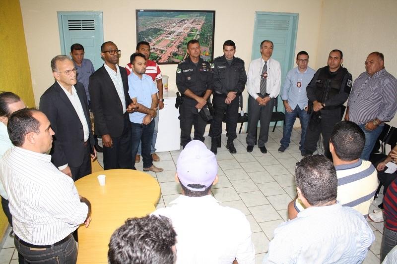 Secretário Ronaldo Lundgren discutiu melhorias na segurança pública no município (Foto: Divulgação)
