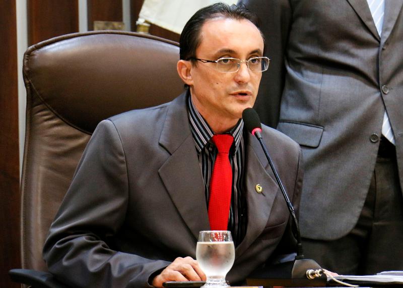 Deputado Souza, que participou da reunião, elogiou atuação da Sesap (Foto: João Gilberto)