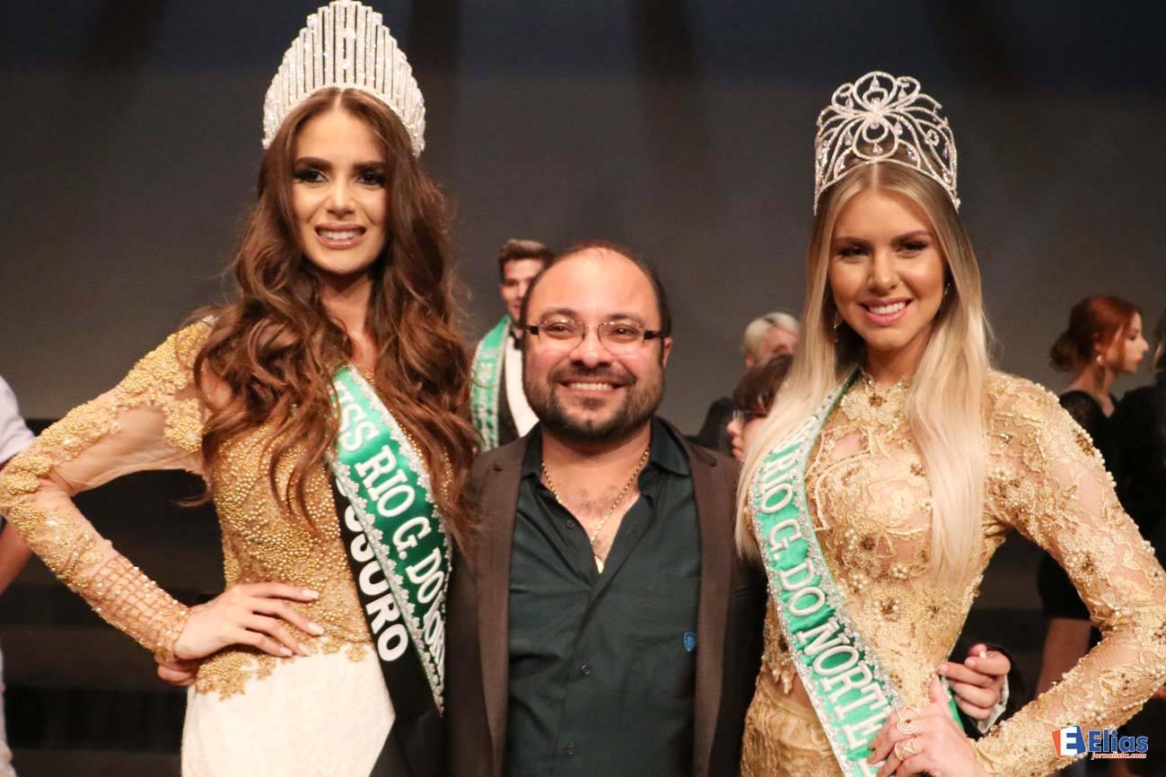 George Azevedo ladeado pela nova Miss RN Danielle Marion e Manoela Alves, Miss Rn 2015 (Foto: Elias Medeiros)