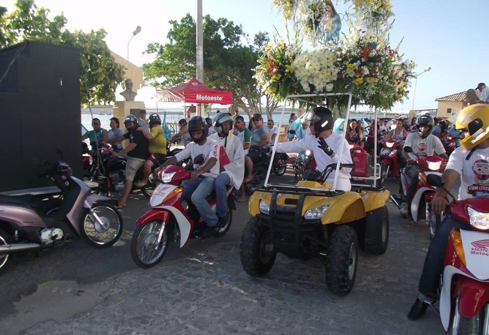 Primeira motorreata em Areia Branca foi realizada na festa de  2013 (Foto: