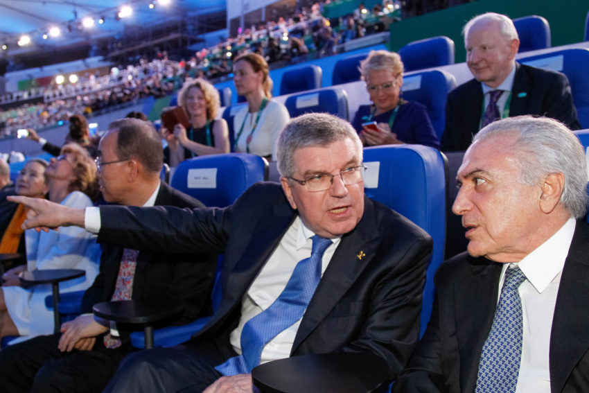 Michel Temer com os representantes do Comitê Olímpico Internacional (Foto: Beto Barata/PR)