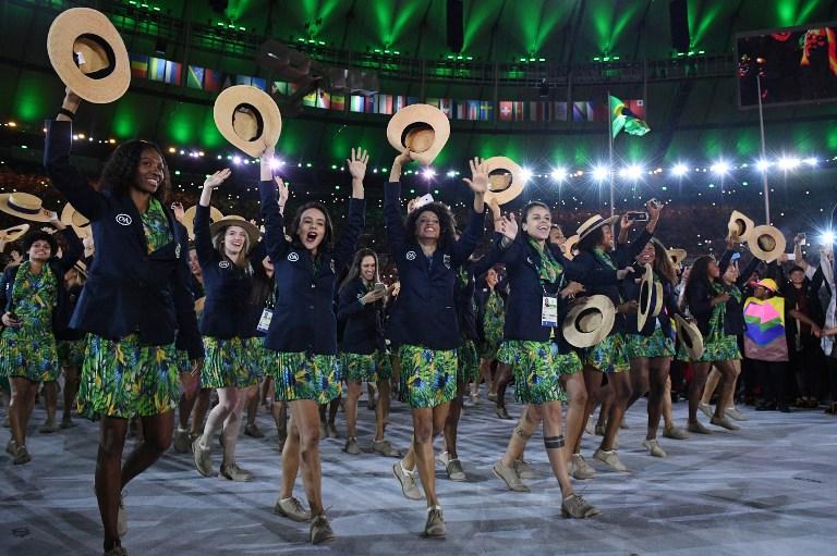 Delegação brasileira fez a festa no Maracanã (Foto: Leon NeL/ AFP)