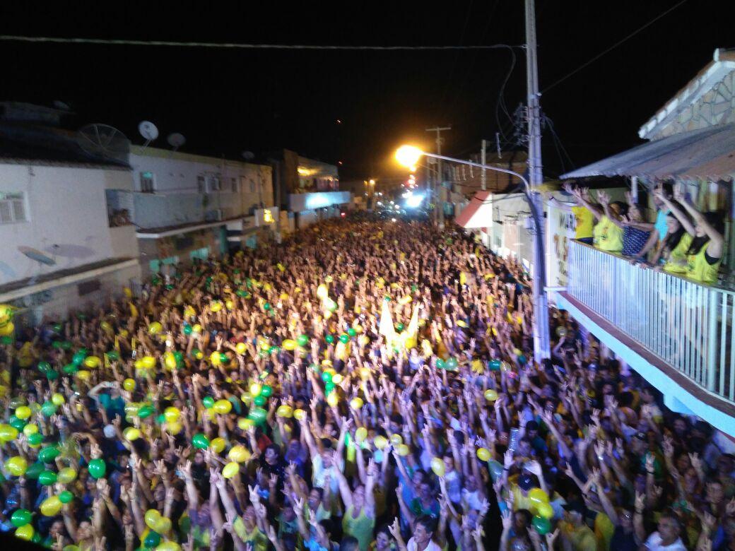 Entusiasmo da multidão contagiou a todos