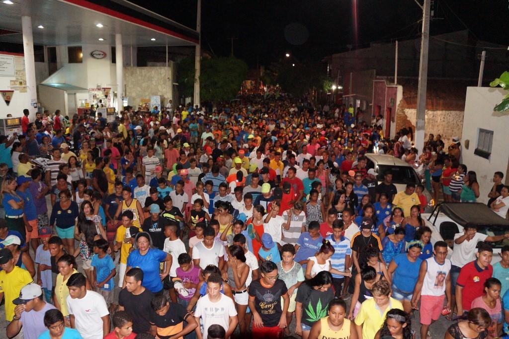 Passeata em defesa da família levou multidão às rias de macau