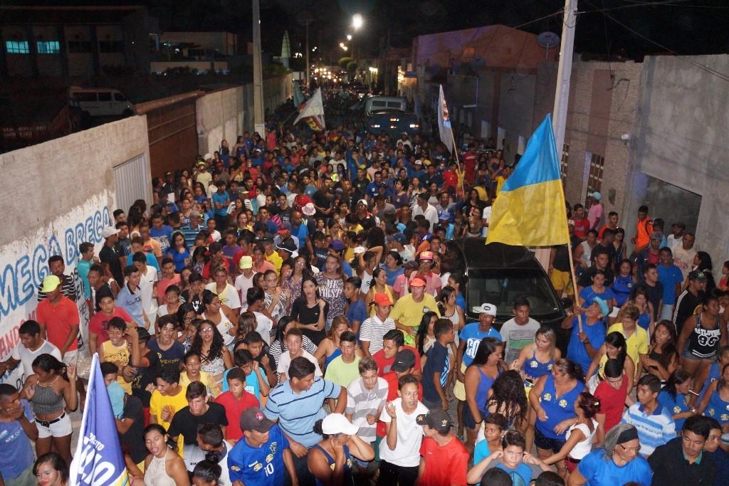 Organização diz que passeata foi a maior já realizada na cidade