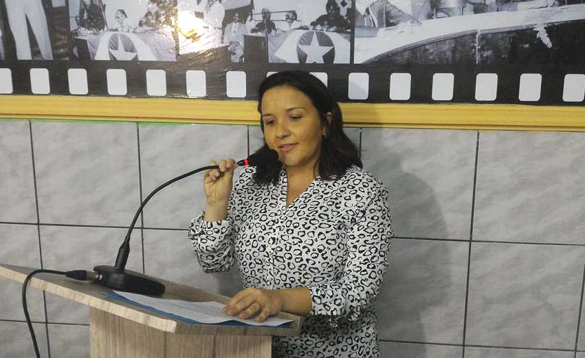 Lidiane Garcia afirma que apesar da crise, sucessora vai encontrar a casa mais arrumado do que ela encontrou (Foto: Erivan Silva)