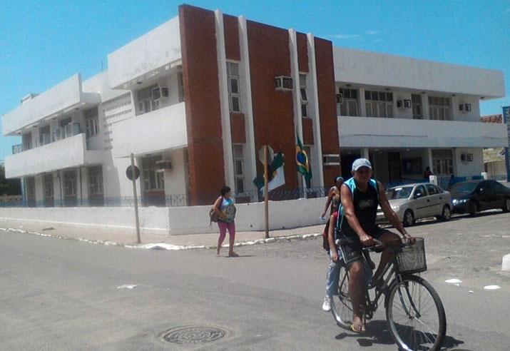 Sede da Agência da Previdência Social em Areia Branca (Foto: Luciano Oliveira)