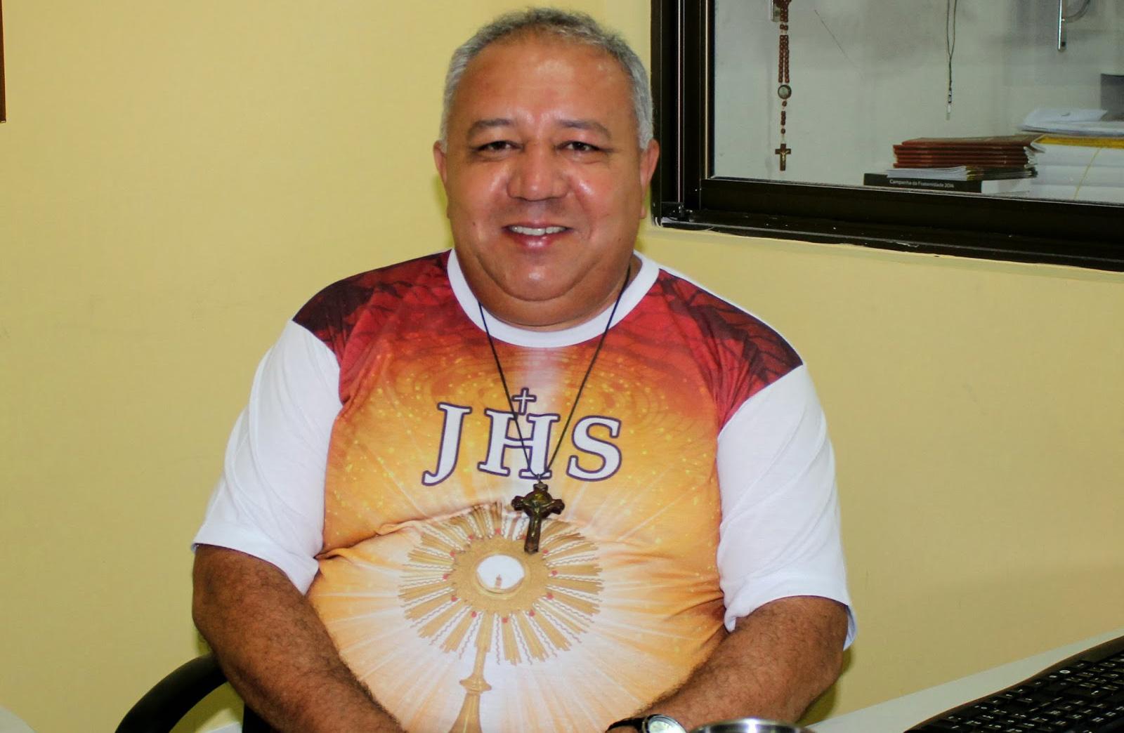 Padre Cézar Teixeira, pároco local, celebrará a missa de encerramento sa festa (Foto: Reprodução/Jailton Rodrigues)
