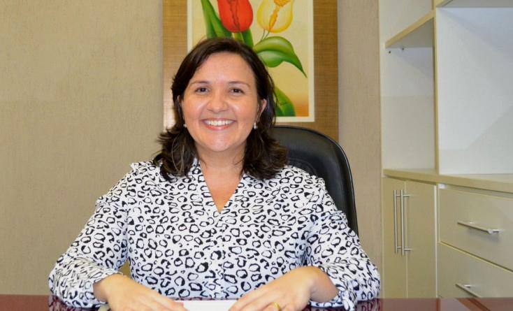 Lidiane Garcia, prefeita de Areia Branca (Foto: Erivan Silva)