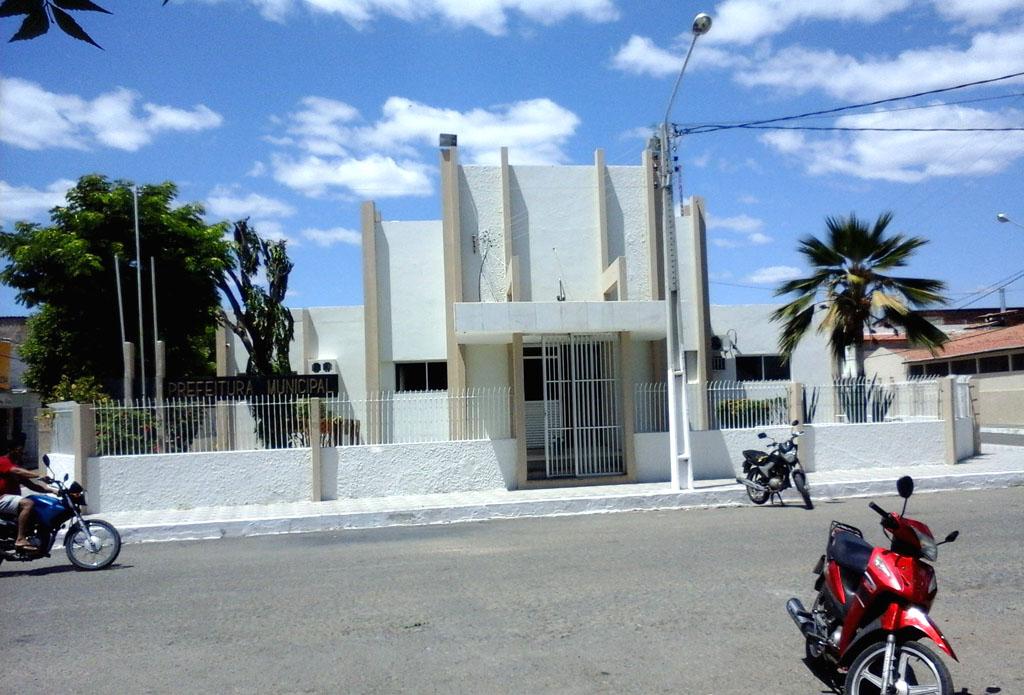 Sede do Executivo areia-branquense (Foto: Luciano Oliveira)