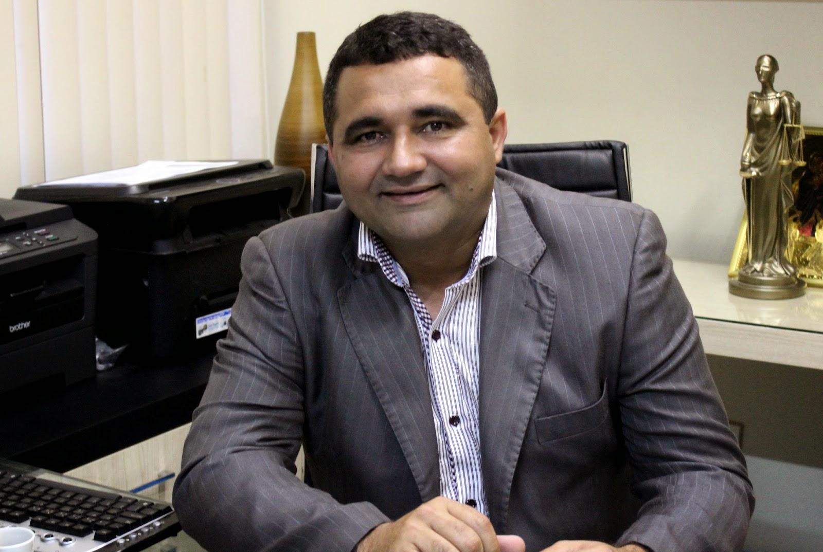 Naldinho conclui pagamento do abono salarial dos servidores (Foto: Jailton Rodrigues)