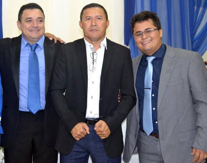 Bbiano com Aldo Araújo, presidente do PR de Serra do Mel, e o vereador Moabe Soares