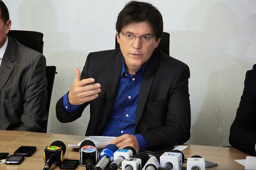 Robinson Faria se reuniu com autoridades buscando a contenção e resolução do problema (Foto: Reprodução)