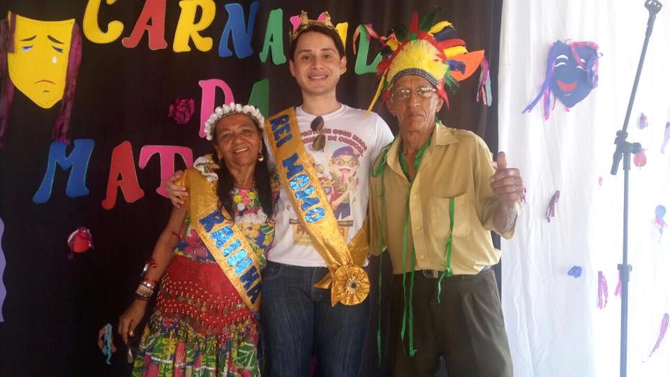 João Paulo (centro) homenageado no Carnaval da Maturidade (Foto: Arquivo pessoal/Facebook)
