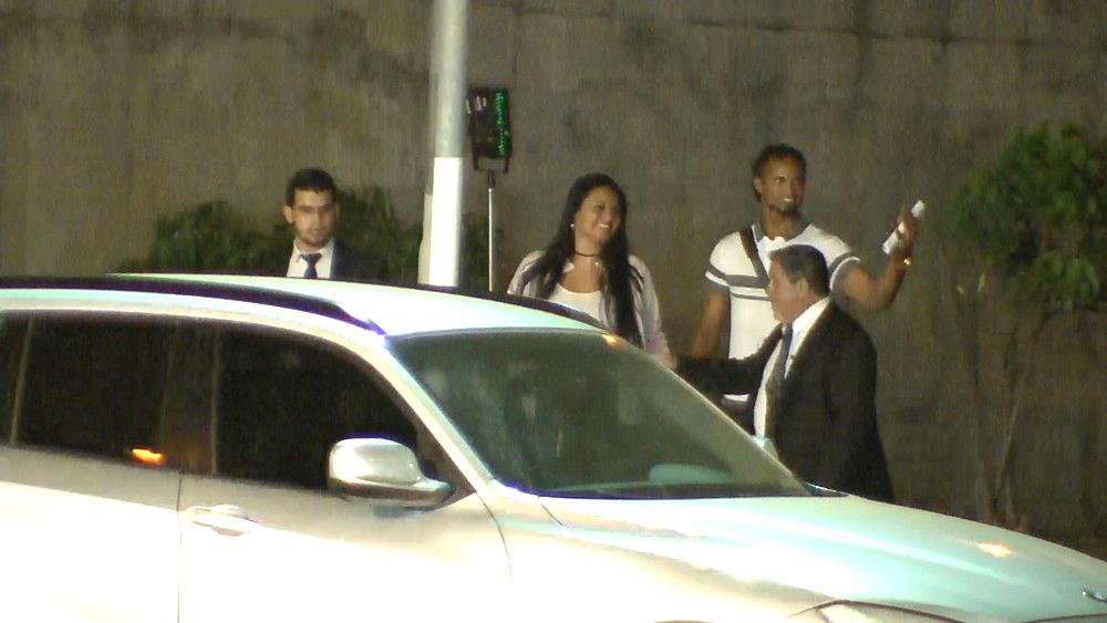 Bruno ao lado do advogado e da mulher, Ingrid Calheiros (Foto: Flávio Tavares/Hoje Em Dia/Estadão Conteúdo)