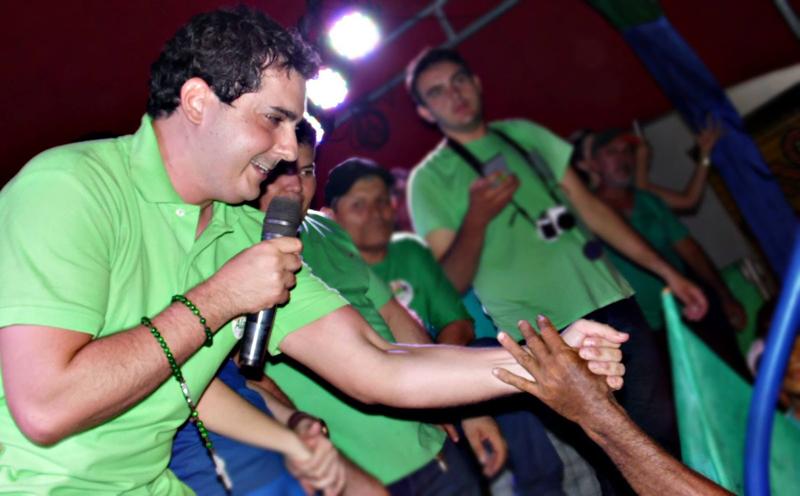 Alan Silveira cumpre a promessa de realizar uma grande festa carnavalesca (Foto: Reprodução)