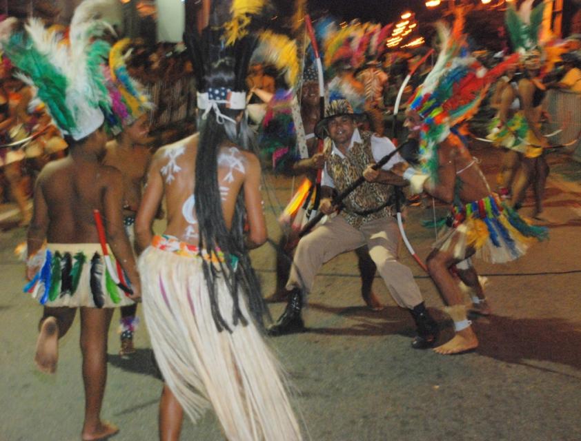 Tribos de Índios mantêm a tradição no Carnaval de Natal (Foto: Marco Polo)