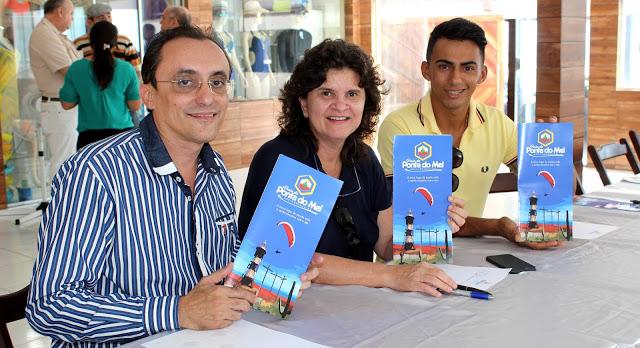 Deputado Souza com Aninha Costa, da Emprotur