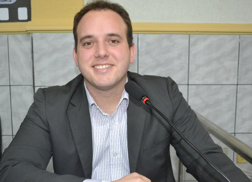 """""""Netinho Cunha"""" deu entrada a vários requerimentos nessa primeira sessão (Foto: Erivan Silva)"""