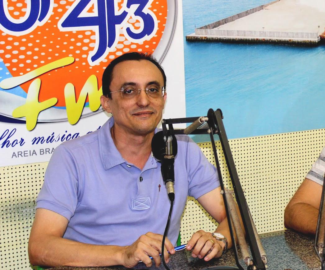 Souza voltará a apresentar seu programa  de rádio (Foto: Reprodução)