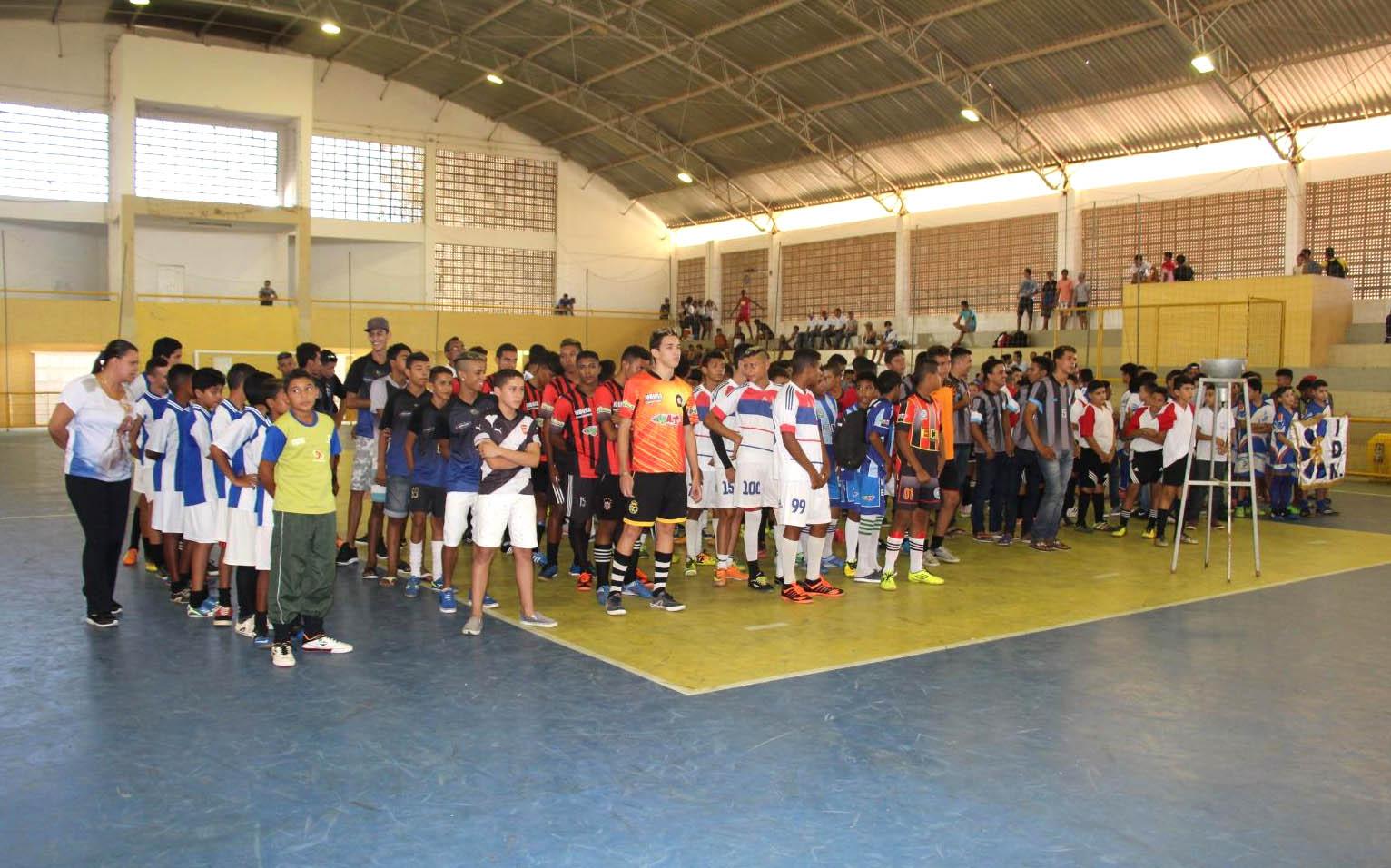 Alunos/atletas participaram da abertura do certame da juventude