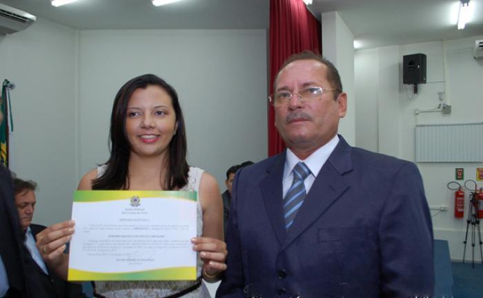 Resultado de imagem para prefeita e vice do município de Água Nova