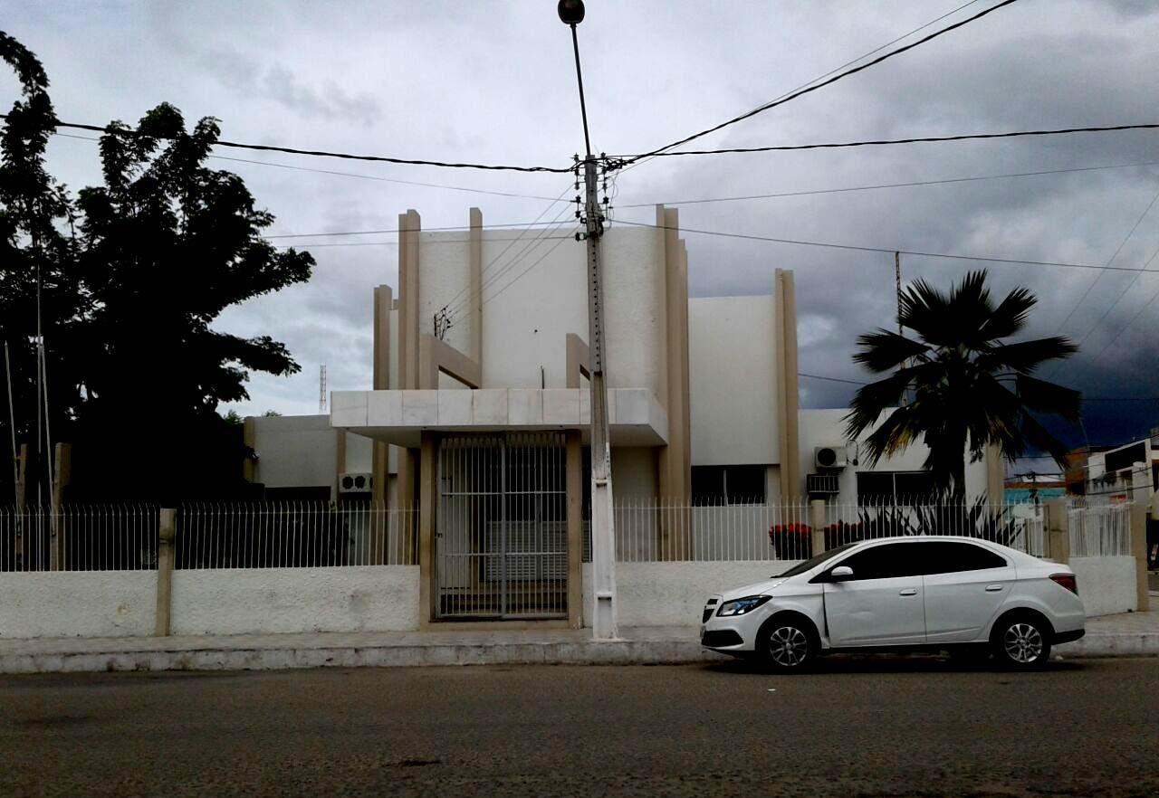 Prefeitura de Areia Branca tem dívida milionária com o INSS (Foto: Luciano Oliveira)
