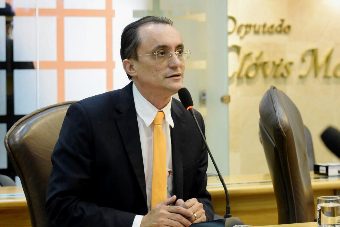Souza destaca a necessidade de tegulamentar a unidade (Foto: João Gilberto/ALRN)
