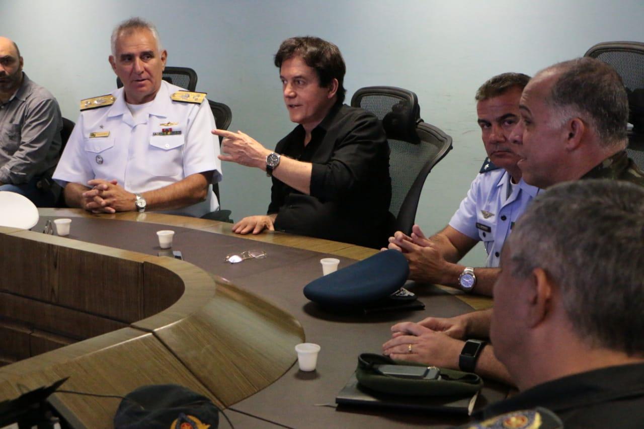 Resultado de imagem para Robinson reúne forças de segurança e comunica normalidade de serviços essenciais