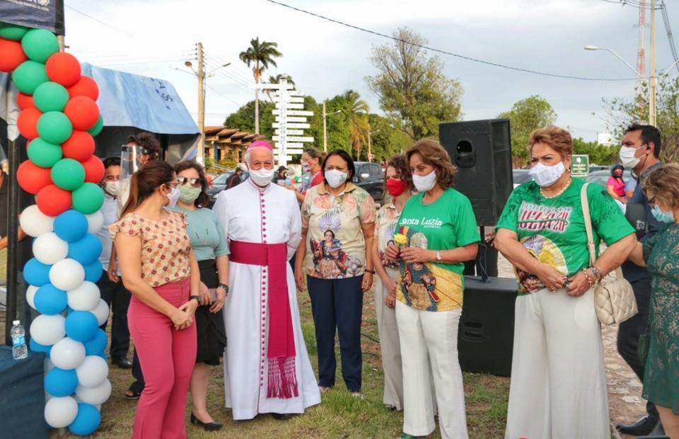 Governadora exalta esperança e fé no encerramento da Festa de Santa Luzia – Costa Branca News